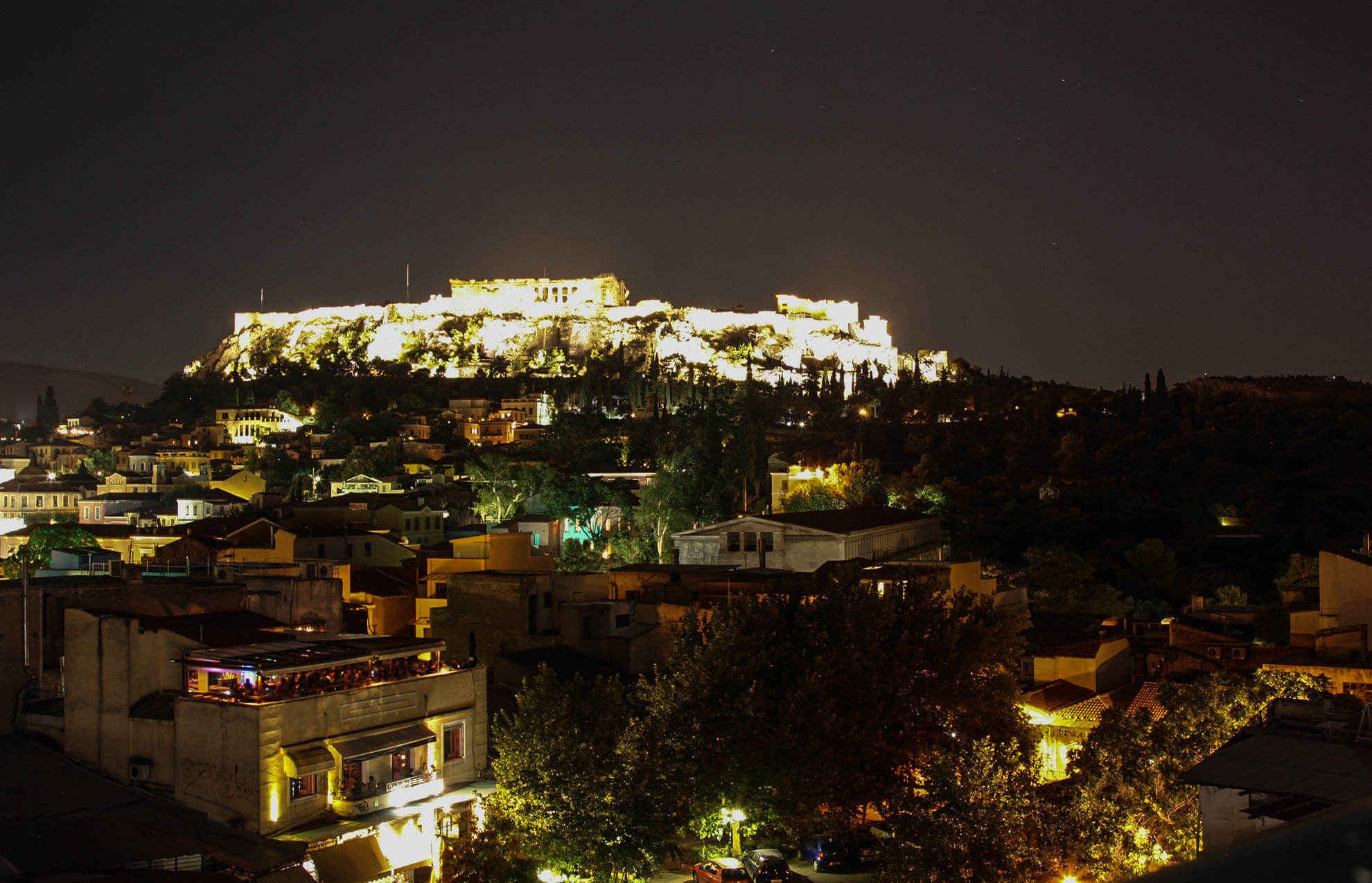 Pella Inn's Bar has an amazing night view of Acropolis.